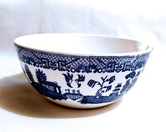Blue Willow Small Serving Bowl with spout