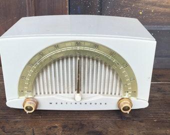 Vintage Westinghouse Tube Radio