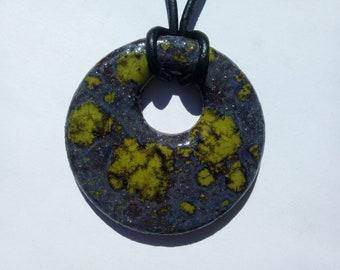 Green round ceramic pendant
