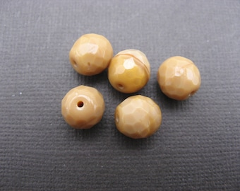Faceted 10 mm: 7 beads cream caramel Bohemian