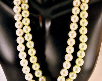 Two 16 Inch Faux Pearl Stretch Necklaces Vintage Necklace White Pearl Necklace White Necklace