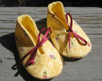 3-6 mths. Upcycled Baby Girl Shoes, Baby Slippers, Baby Shower Gift, Baby Booties, Baby Cloth Shoes, Yellow Baby Booties, Eco Friendly Shoes
