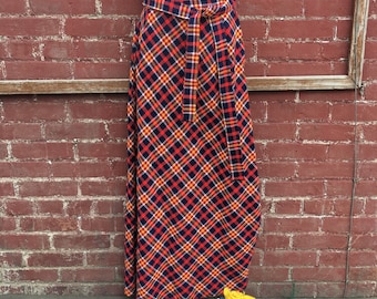 70s Long Bright Plaid Wool Maxi Skirt/Size S/XS