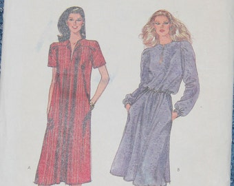 Loose Fitting Pullover Dress 1980s Vintage Sewing Pattern VOGUE 7905, size 10