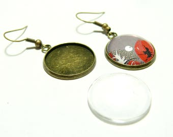 4 pieces: 2 earring findings quality 20 mm BR and 2 glass cabochon