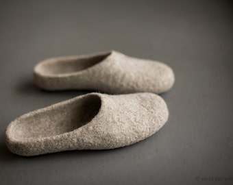 Felted organic wool slippers for women - Beige house shoes - Grandmother gift - Natural wool clogs - Eco friendly gift for her