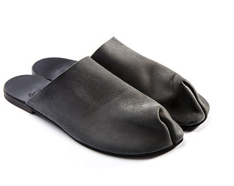 Leather sandals, Black Slip-On, Oatmeal Woman Shoes, Designers, Flat sandals, Innovated shoes, Crafted shoes, Designers shoes, Outstanding