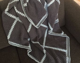 Crochet blanket, delicious for the couch or on bed