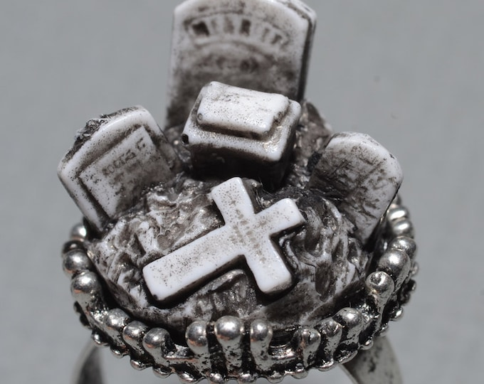 Halloween Jewelry- Nightmare Before Christmas   - Creepy Old  Victorian Cemetery Style Ring with Tombstones - Zombie  Vampire