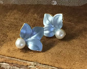 Floral Inspired Powder Blue Faux Pearl Earrings Pierced Unsigned 1990's 1980's Gold Tone Metal Setting Elegant Understated Feminine