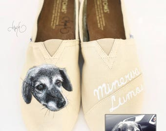 Custom TOMS Shoes with Dog Portrait - Hand Painted Pet Portrait and Name - Pet Painting - Dog Painting Dog Shoes