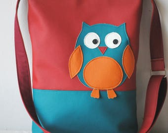 Handmade messenger bag made of faux leather with owl application