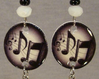 Music Note Chandelier Dangle Earrings - Music notes Jewelry - Black and White jewellery