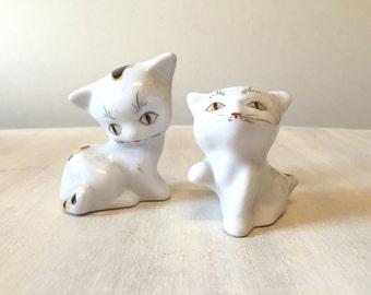 Cat figurines, white cat, vintage cat, vintage figurines, cat lover gift, cat sculpture, cat decor, vintage cat figurine, ceramic cat, cats