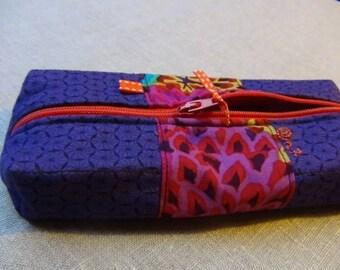 Pencil case rectanguleire cotton fabric and purple flowers.