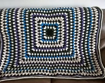 Gorgeous hand crochet granny square chunky throw/blanket/afghan ideal gift