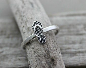 Sterling silver flip flop sandal ring - simple beach jewelry -sizes 5-10 - Gift for her - Beach Lover, minimalist, vacation jewelry