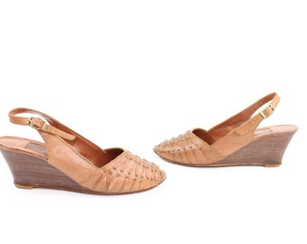 Vintage 70s Leather Sandals Wood Wedges Slingback Pumps Woven Size 5 1970s Brown Leather Pumps Heels Brown Tan Peep Toe Pumps
