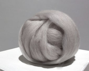 Silver Grey Merino Roving, grey wool roving, Felting Wool, Spinning Fiber, Dove grey, light grey, silver grey roving