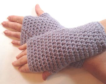 Alpaca mix wristwarmers - Purple wrist warmers - Alpaca mix wristlets - Crochet texting gloves