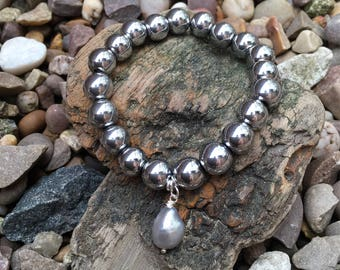 Hematite and Freshwater Pearl Bracelet