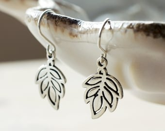 Petite silver leaf earrings | Small antique silver woodland earrings | Dainty dangling lightweight earrings | Sterling silver leaf jewelry