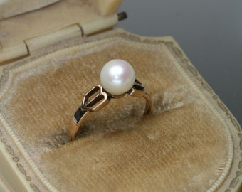 Vintage 14k and Pearl Ring
