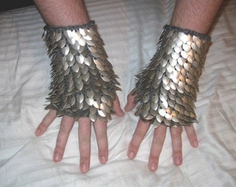 Dragonhide Gauntlets matched pair reserved for Crazyhorse 2006