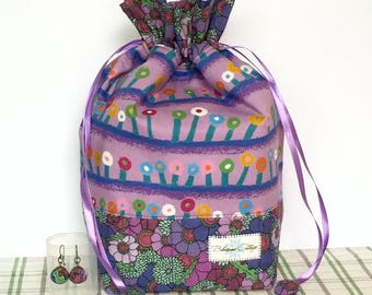 Project bag, drawstrings bag, pouch, cotton bag, yarn bowl for small projects like socks, scarf, mittens. Free 2 stitch markers