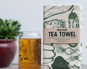 Pint Glass and Tea Towel Set Vegetable design