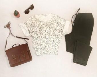Printed T-Shirt / White Mutli-Colored Speckaled Tee / Women's Medium / Short Sleeve