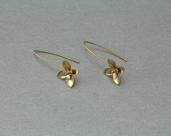 Narcissus Hook Earring . Matte Gold Plated . 10 Pieces / C3074G-010