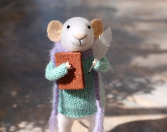 Writer gift, writer figure, writer mouse, Needle felted mouse, Felt writer mouse,  Needle felt animal, Needle felt miniature, Birthday gift
