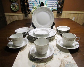Johann Haviland *-* FLORAL SPLENDOR *-* 4 Place Setting, 19 Piece Set (missing 1 cup)