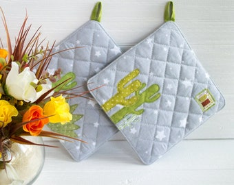 Green potholder Cactus pot holder Foodie gift Dorm decor Gray kitchen decor Gifts under 25 Quilted potholder Kitchen accesories Gift for mom
