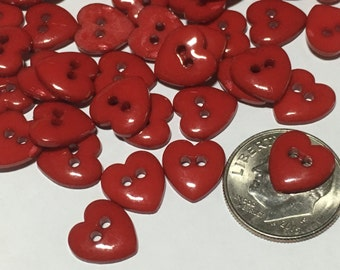 10 small / tiny red heart buttons, 9 mm (B1)