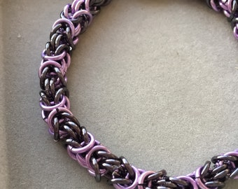 purple and black byzantine chainmaille bracelet, chainmail bracelet, bracelet femme, magnetic bracelet, gift for her