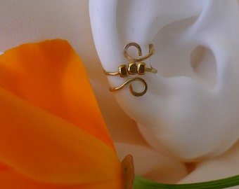 Triple studded single band earcuff * handmade cartilage jewelry * wire earcuff in gold or silver