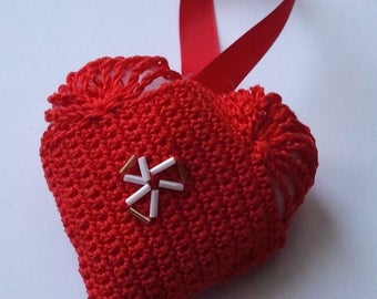 Red heart hanging decoration crochet cotton