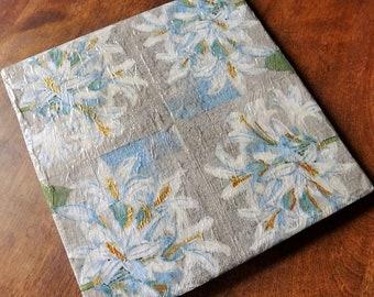 Gray Floral Trivet