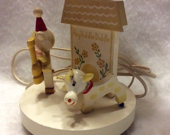 Vintage 1979 childs bedroom lamp. Hey Diddle Diddle.