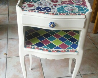 bedside makeover, painted wood and mosaic style picassiette
