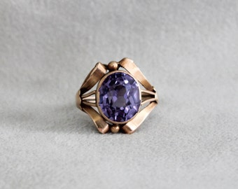 Vintage Alexandrite Gold Ring, Synthetic Lab Alexandrite in 10k Rosy Yellow Gold Setting, size 5.5