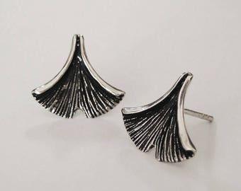 ginkgo leaf earrings, nature earrings, silver earrings, leaf earrings, ginkgo biloba leaf, gift for her, ginkgo, ginkgo jewelry, ginkgo leaf