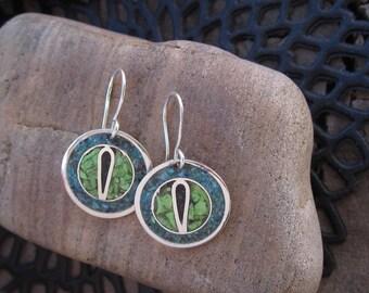 Boucles d'oreilles oeil de chat en argent sterling avec de la chaux vert inlayed turquoise et noir