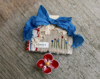 Textile Brooch, Flower Brooch, Fabric Brooch, Textile Art, Embroidered Brooch, Stitched Brooch, Art Brooch, Lapel Pin, Fleurs Red White Blue