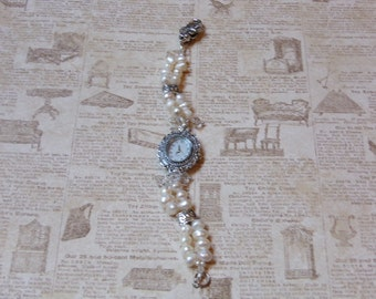 Ladies' Cultured Pearls and Crystals Beaded Bracelet Watch