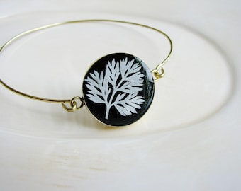 White Fern Bracelet, Pressed Flower Bangle Bracelet, Stackable Bracelet, Stacking Boho Statement Bracelet, Nature Jewelry, Resin Jewelry