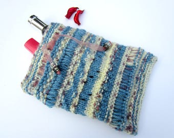 Pouch, toiletry bag knit blue
