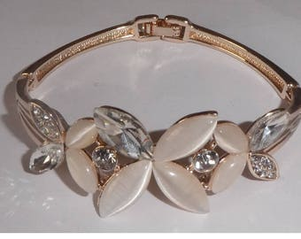 Gold plated Bracelet. Mother of pearl and rhinestones